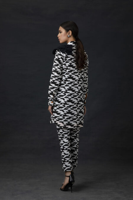 Printed Monotone Top with Cropped Trousers